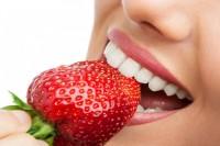 Namirnice koje vam mogu pomoći da vaši zubi uvek budu beli