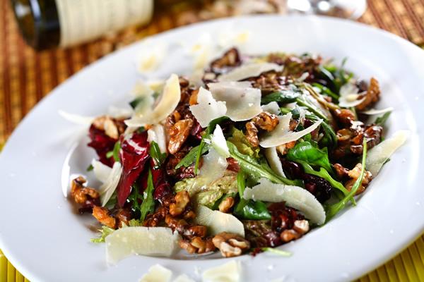 Salata od oraha i sira