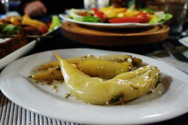 Salata od pečenih paprika