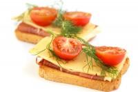 Sendvič sa sirom, salamom i čerijem