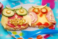 Dva sendviča u obliku sove