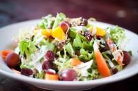 Walford salata sa suvim šljivama