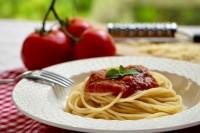 Špagete sa sosom od paradajza
