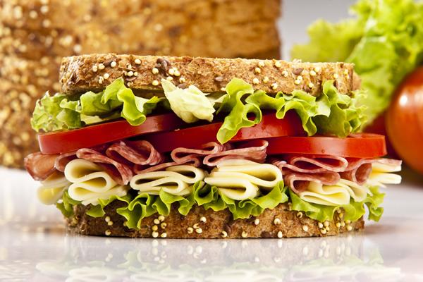 sendvic-sa-sirom